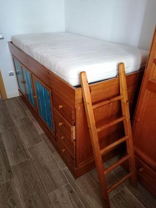 cama, colchón, somier y escalera