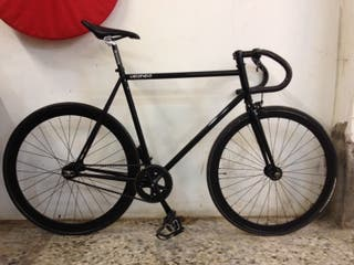 Se vende bicicleta tipo piñón fijo o fixie