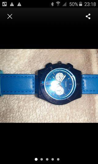 blue hublot geneve watch