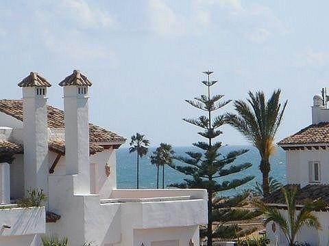 Villa en venta en El Padrón - El Velerín - Voladilla en Estepona (Gualdalmansa, Málaga)