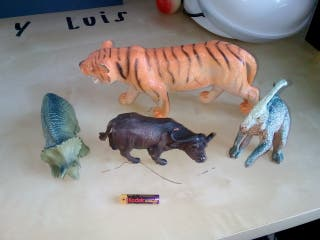 animales prehistóricos seminuevos