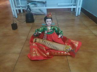 se vende muñeca japonesa