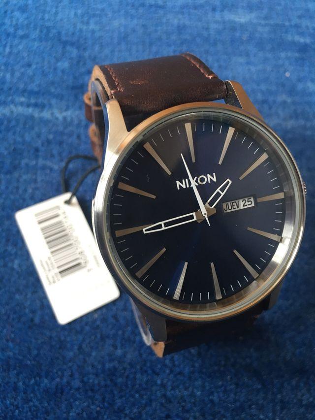 Reloj NIXON SENTRY LEATHER 42 mm