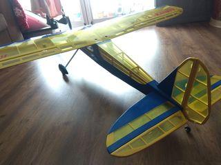 Avion Kadett de Graupner