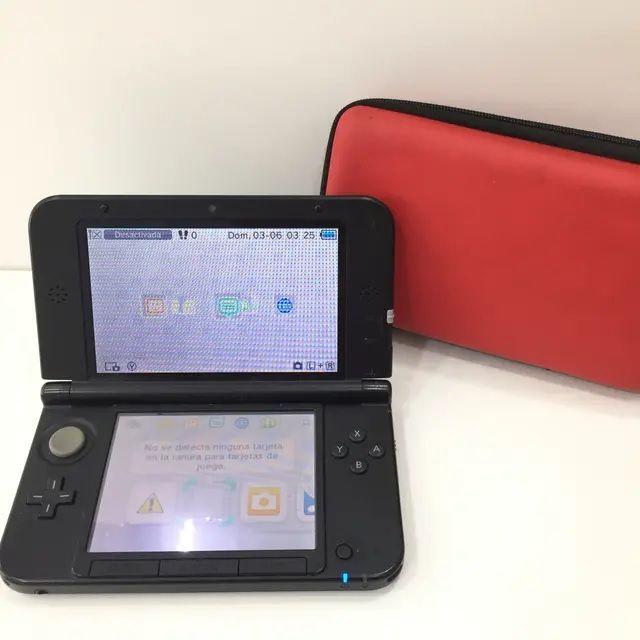CONSOLA NINTENDO 3DS XL CON CARGADOR Y FUNDA