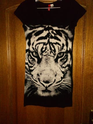 vestido negro tigre