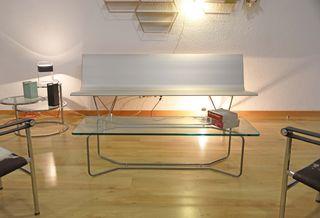 Mesa auxiliar diseño minimalista