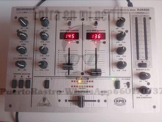 Mesa de mezclas behringer dj