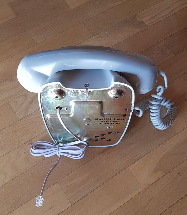 Telefono De Pared Antiguo,Vintage,Restaurado.