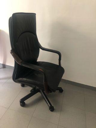 Sillón de despacho, piel negra