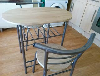 Oak Table and 2 Chairs Set and a Free table lamp