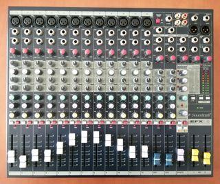 Mesa de mezclas soundcraft Efx 12