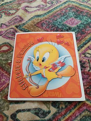 Librito pegatinas y puzzles Looney Tunes