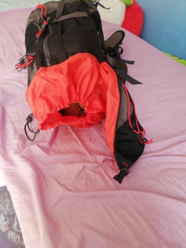 Mochila Quechu de montaña x2