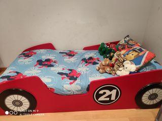 Cama infantil de coche