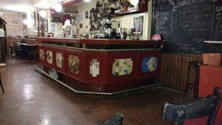 Barra de bar con reposapies de acero