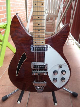 Guitarra Johnson copia de Rickenbacker 330