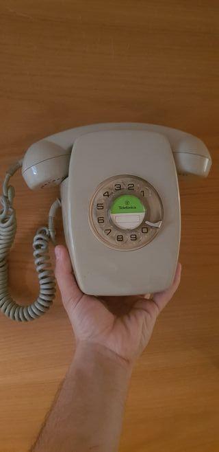 teléfono pared antiguo