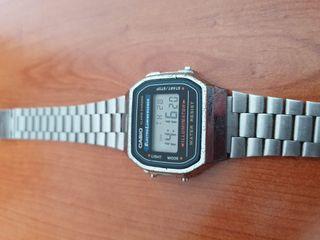 Reloj de pulsera casio A168WA plateado vintaje