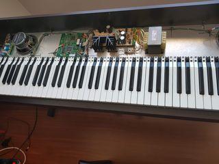 PIANO DIGITAL