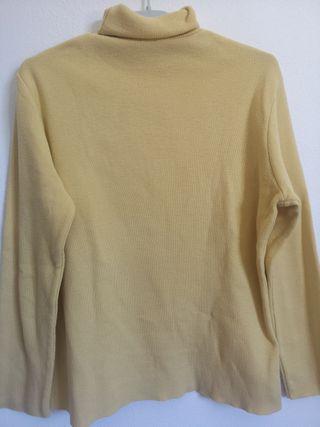 Jersey amarillo de cuello alto