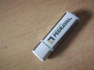 Pendrive Pedraval 16 GB
