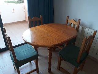 Vendo mesa extensible y 4 sillas