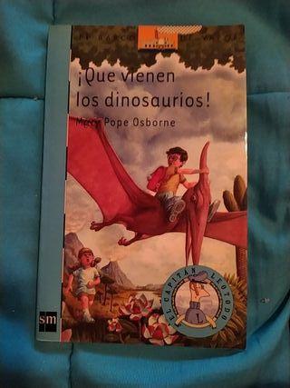 Libro ¡Que vienen los dinosaurios!