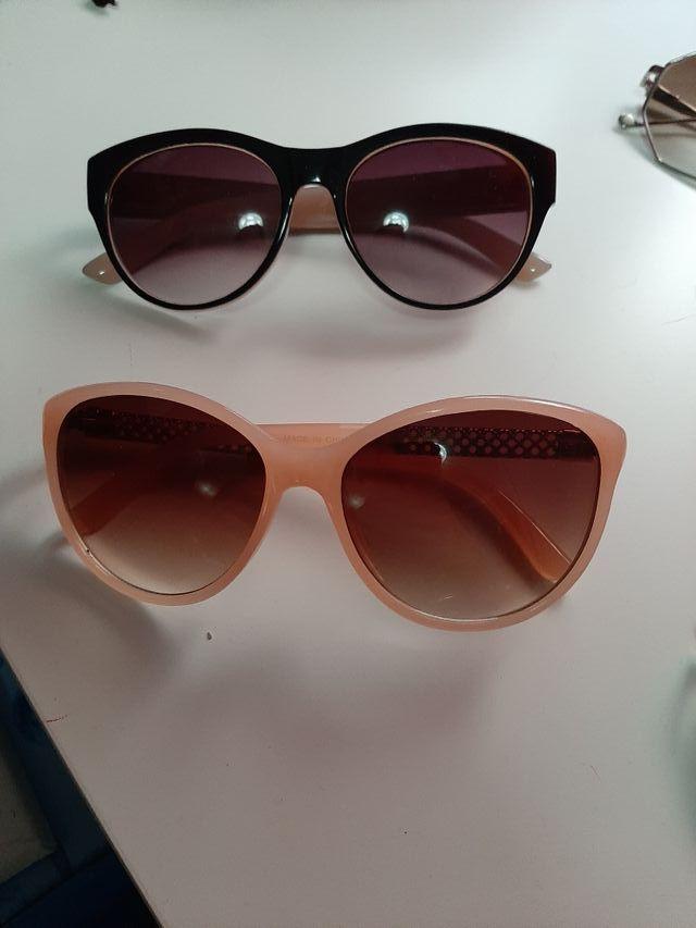 varias gafas de sol