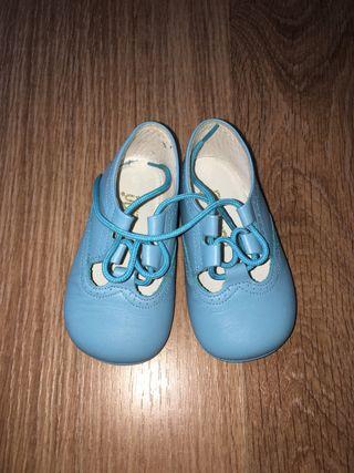 Zapatos o pepitos bebé talla 19