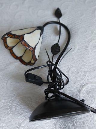 Lámpara de mesa de Tiffany