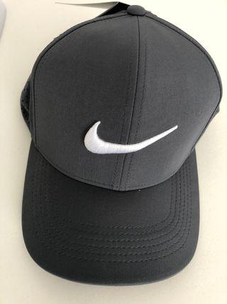 Gorra de Nike nueva