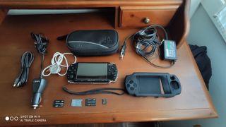 Consola PSP con tarjetas con juegos y muchos extra
