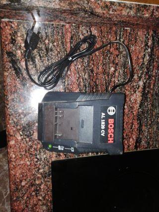 cargador baterías taladro eléctrico BOSCH