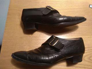 Zapatos con hebilla 39