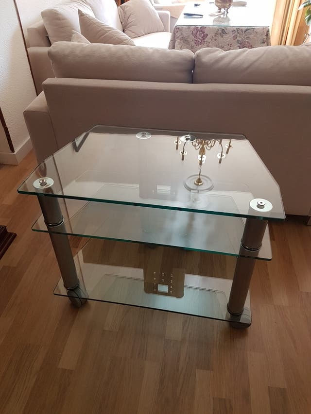 mesa / expositor de cristal / TV televisión