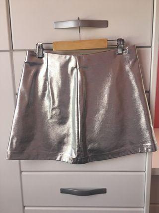 Falda mini metalizada plateada