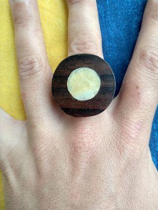 anillo nacar y madera