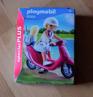 Playmobil 9084 Chica con Scooter