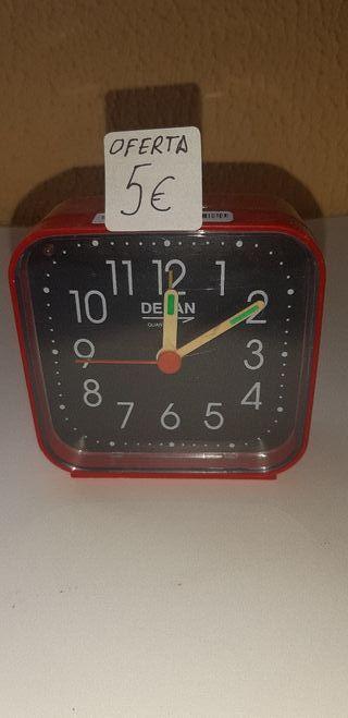 Reloj Delan despertador