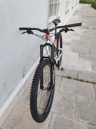 SPECIALIZED STUMPJUMPER PRO CARBON