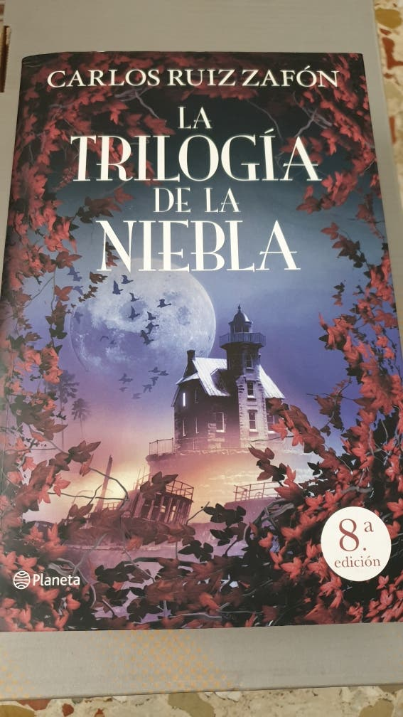 Trilogía de la niebla. Libro.
