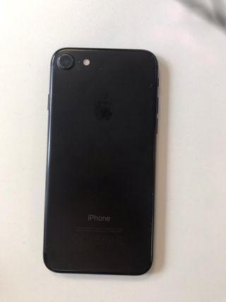iPhone 7 unlocked 128gb small crack on screen
