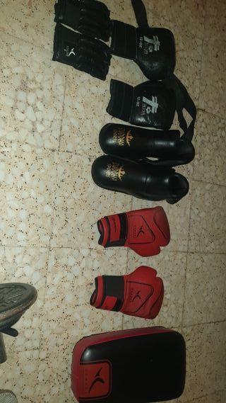 protecciones de kickboxing.( ESCUCHÓ OFERTAS ))