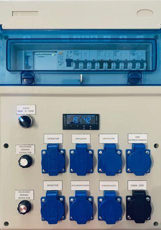 Controlador Luces y clima cultivo interior.
