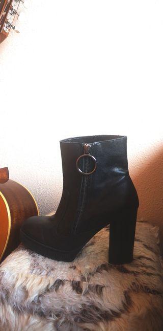 Botines de piel mujer Zara