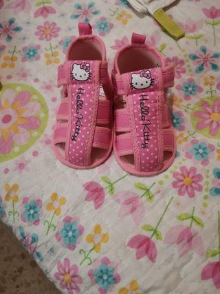 zapatos hello Kitty totalmente nuevo