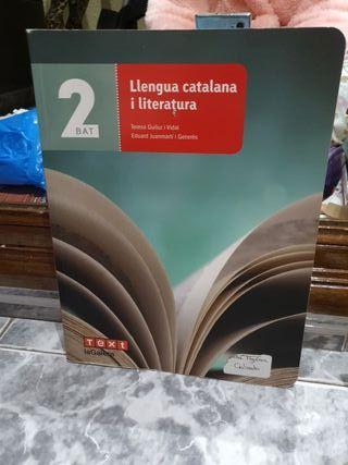 """Libro """"Llengua catalana i literatura"""" 2Bat"""