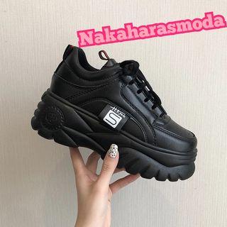 Zapatillas plataforma negras estilo Buffalo