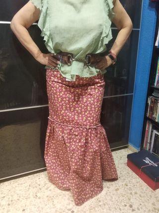 Falda Rociera y blusa de gasa